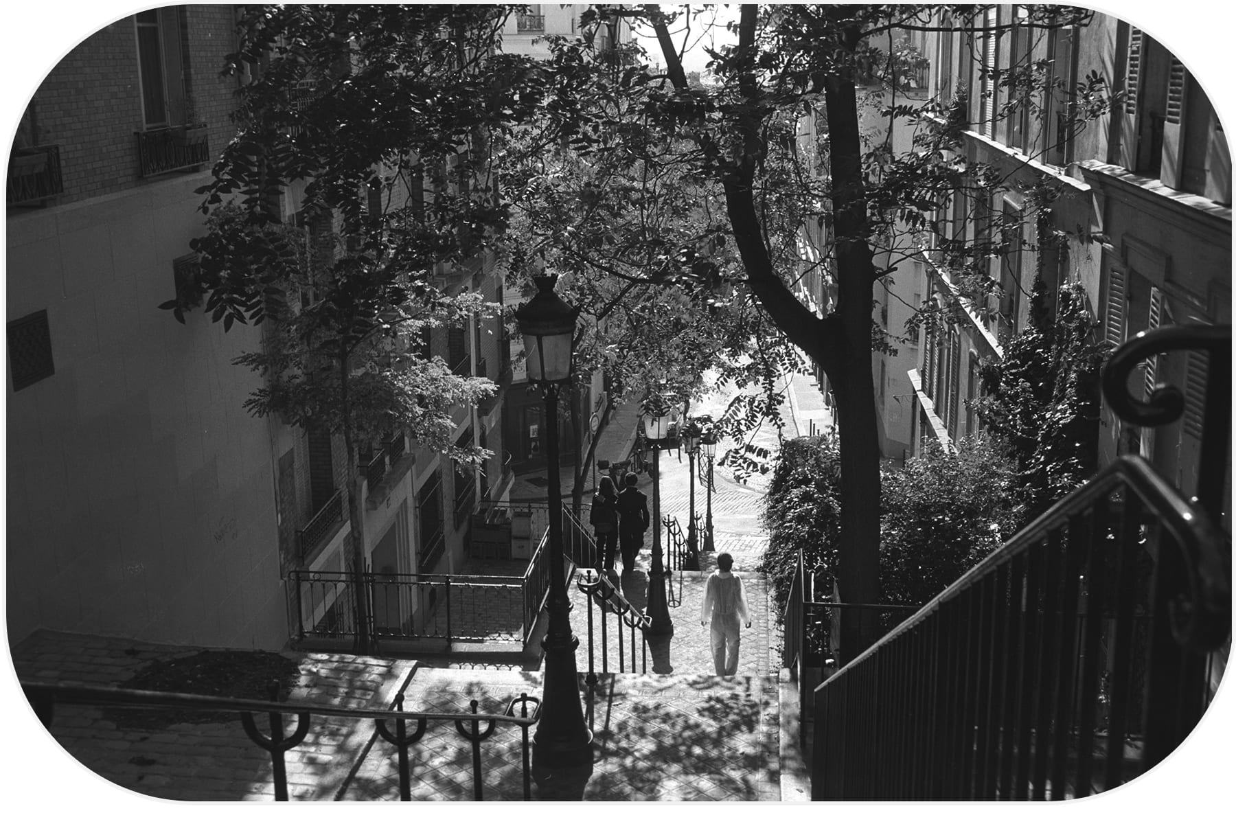 Lovers in Montmartre. Paris